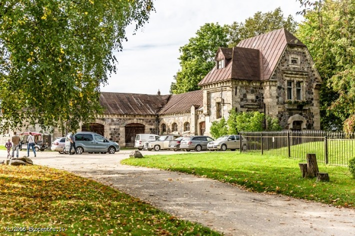 Krimulda - historical manor and current business - Mednieku 3